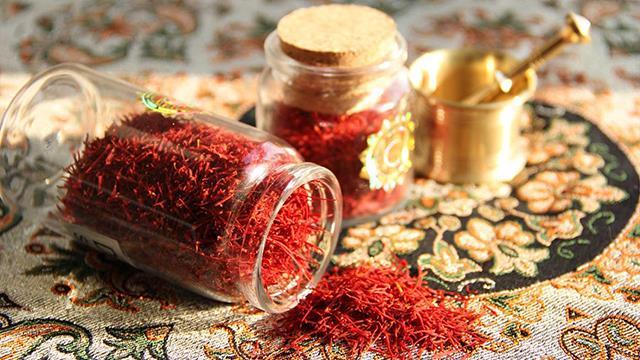 بسته بندی شیشه ای زعفران | شرکت صدف پک