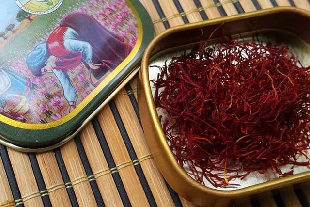 زعفران با بسته بندی فلزی | شرکت صدف پک