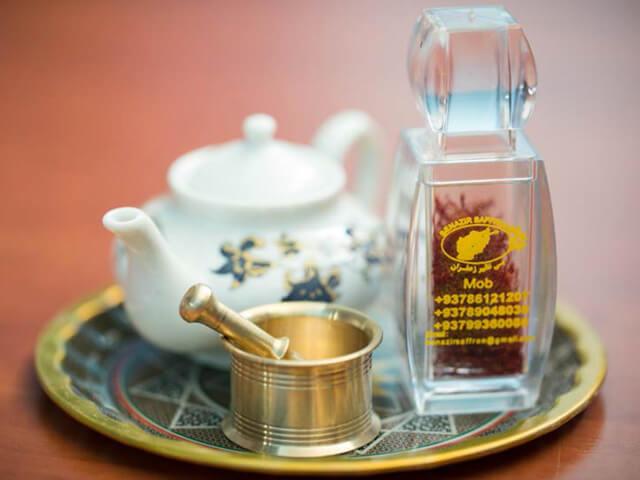 چاپ تک رنگ روی ظرف پلی کریستال زعفران | شرکت صدف پک